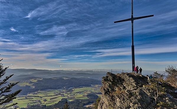 Wandern auf dem Bergkamm des Kaitersberg