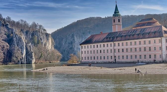 Traumhafte Wanderung: Befreiungshalle zum Kloster Weltenburg